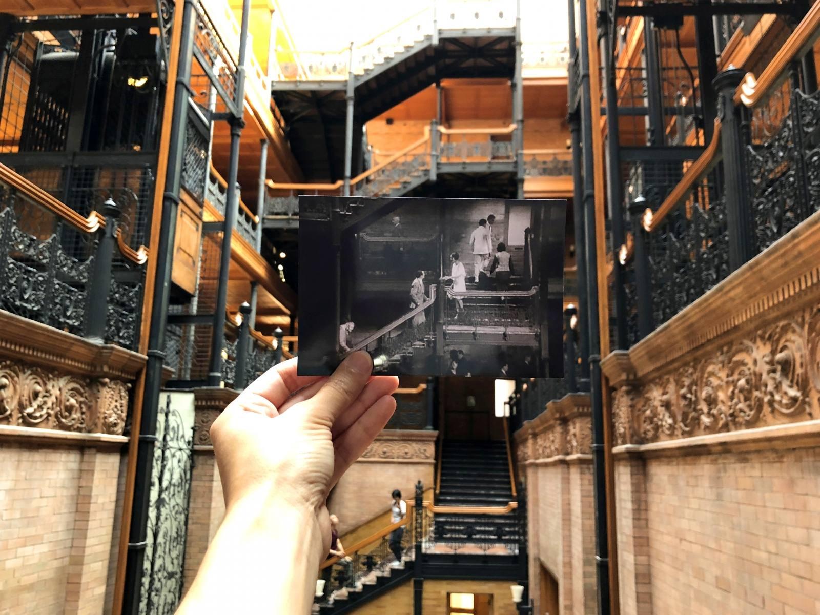 Escena de The Artist en el Bradbury Building