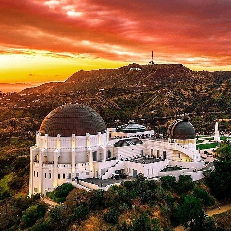 El observatorio Griffith y el letrero de Hollywood