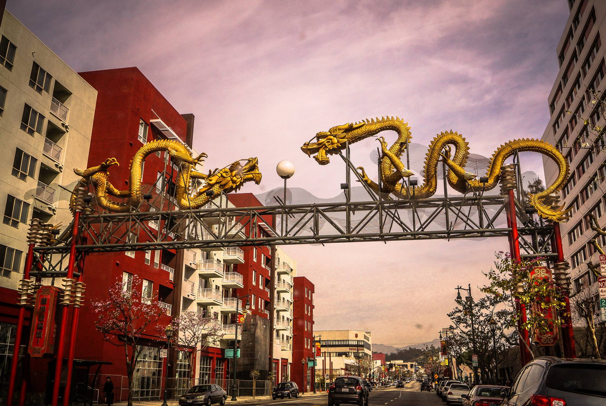 Twin Dragon Gateway in Chinatown Los Angeles