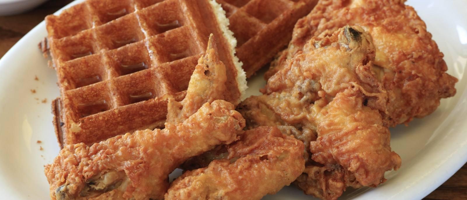 Chicken and Waffles at the Hungry Fox   |  Photo: Yuri Hasegawa