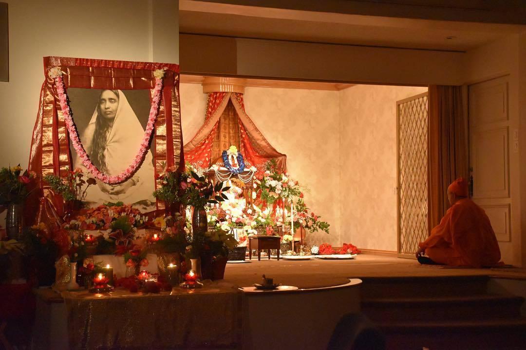 Servicio Dominical en Vedanta Society