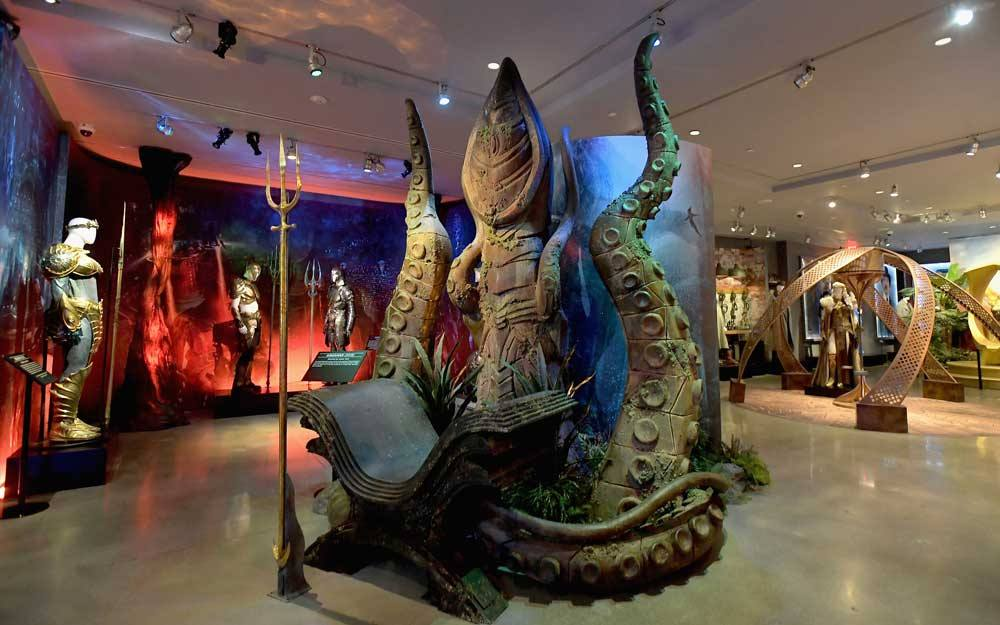 """El Trono del Rey Muerto de """"Aquaman"""" en Warner Bros. Studio Tour Hollywood"""