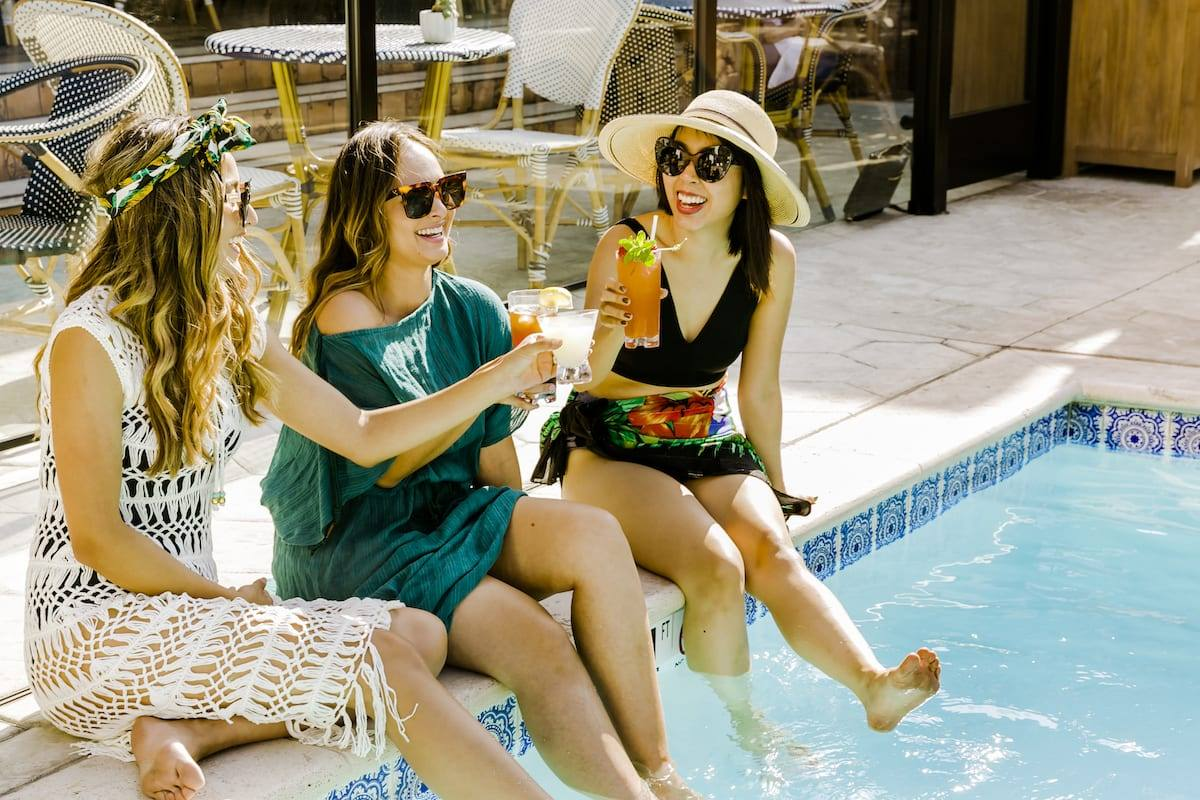 Hotel Figueroa Poolside Drinks