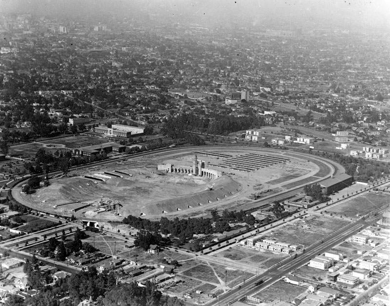 Los Angeles Memorial Coliseum under construction, ca. 1922