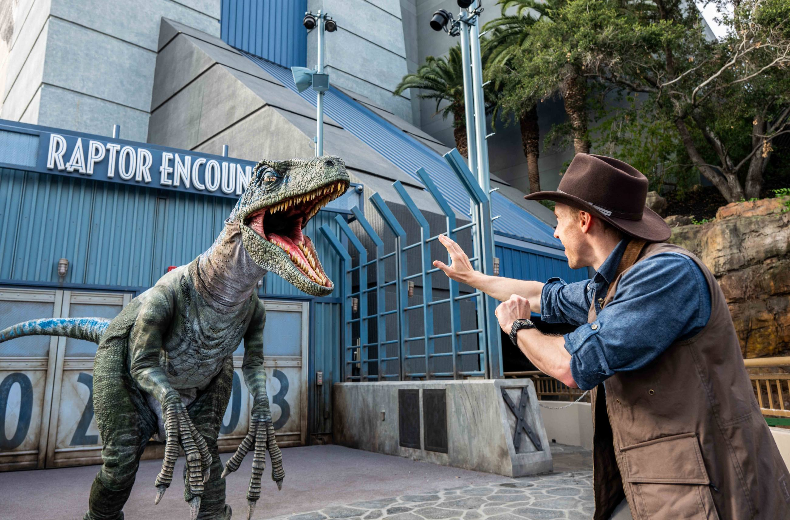 Raptor Encounter at Jurassic World - The Ride | Photo: Universal Studios Hollywood