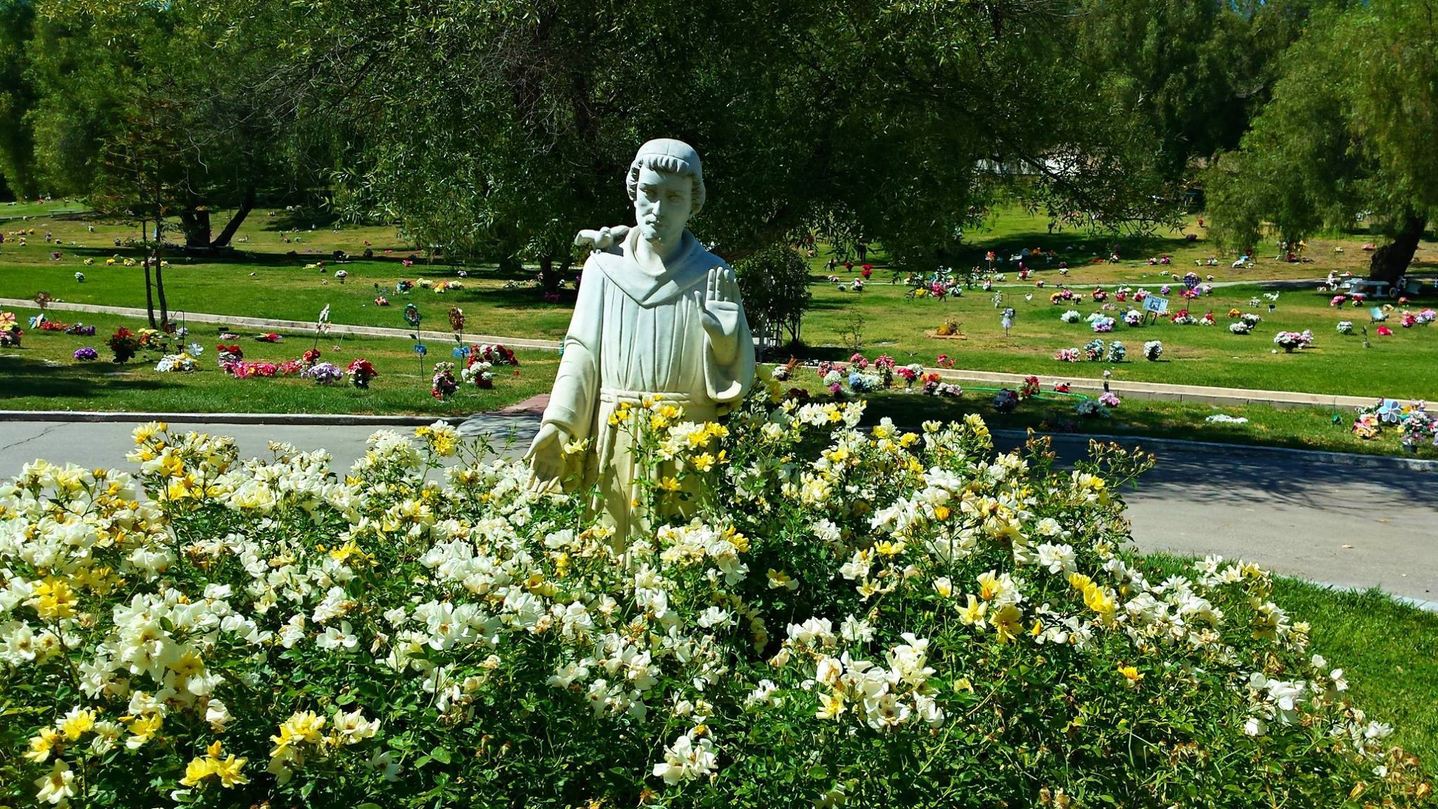 St. Francis of Assisi at Los Angeles Pet Memorial Park