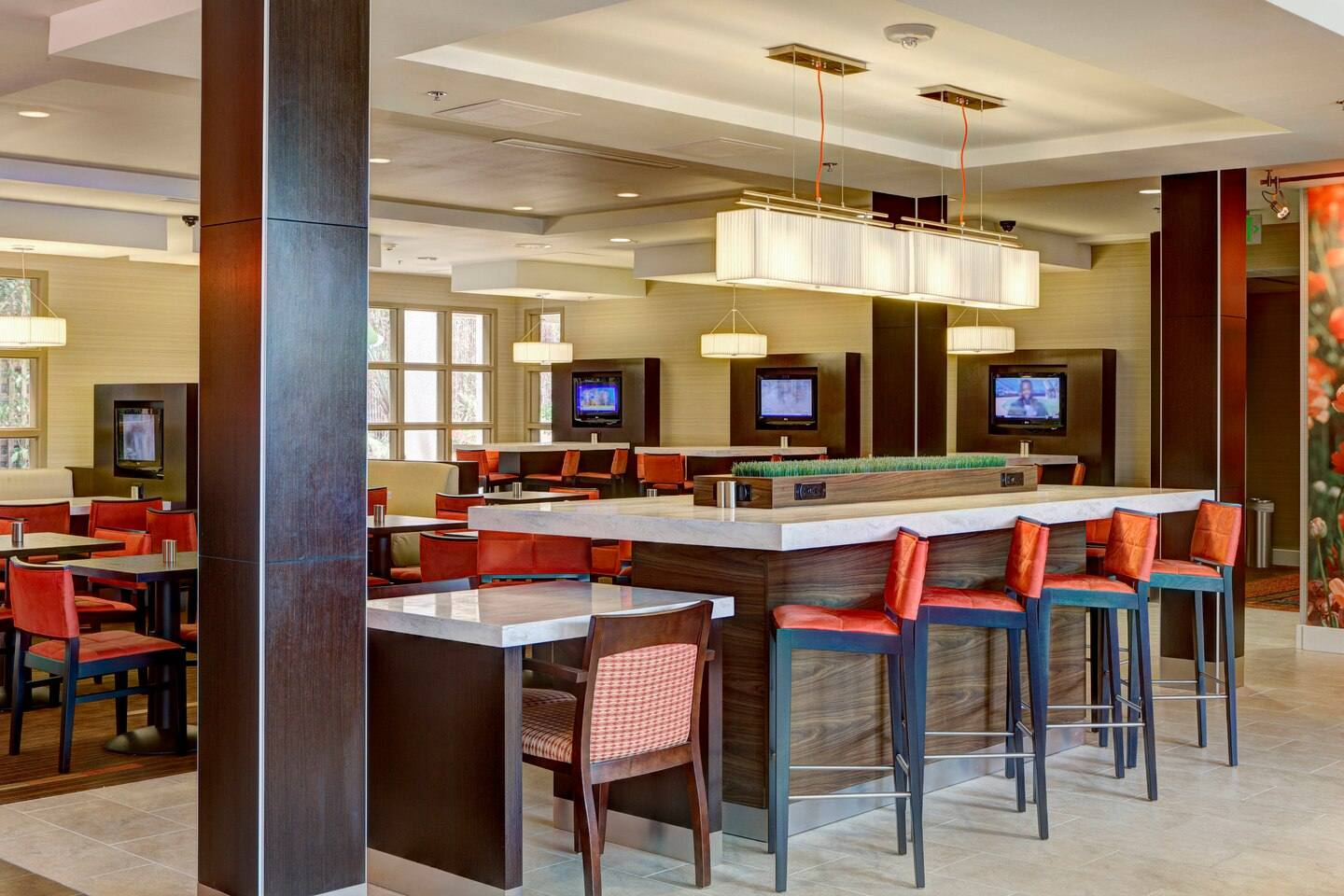 Bistro Communal Table at Courtyard by Marriott Century City/Beverly Hills