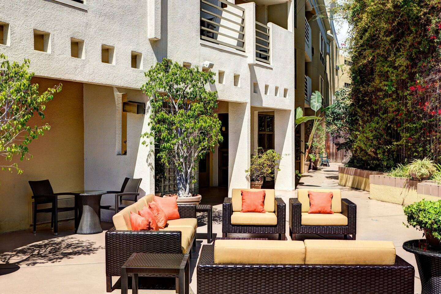 Outdoor courtyard at the Courtyard by Marriott Century City