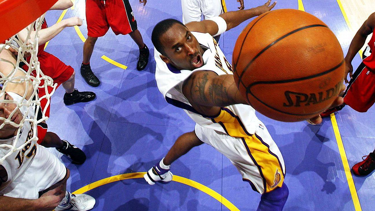 Kobe Bryant goes for two of his 81 points at STAPLES Center on Jan. 22, 2006