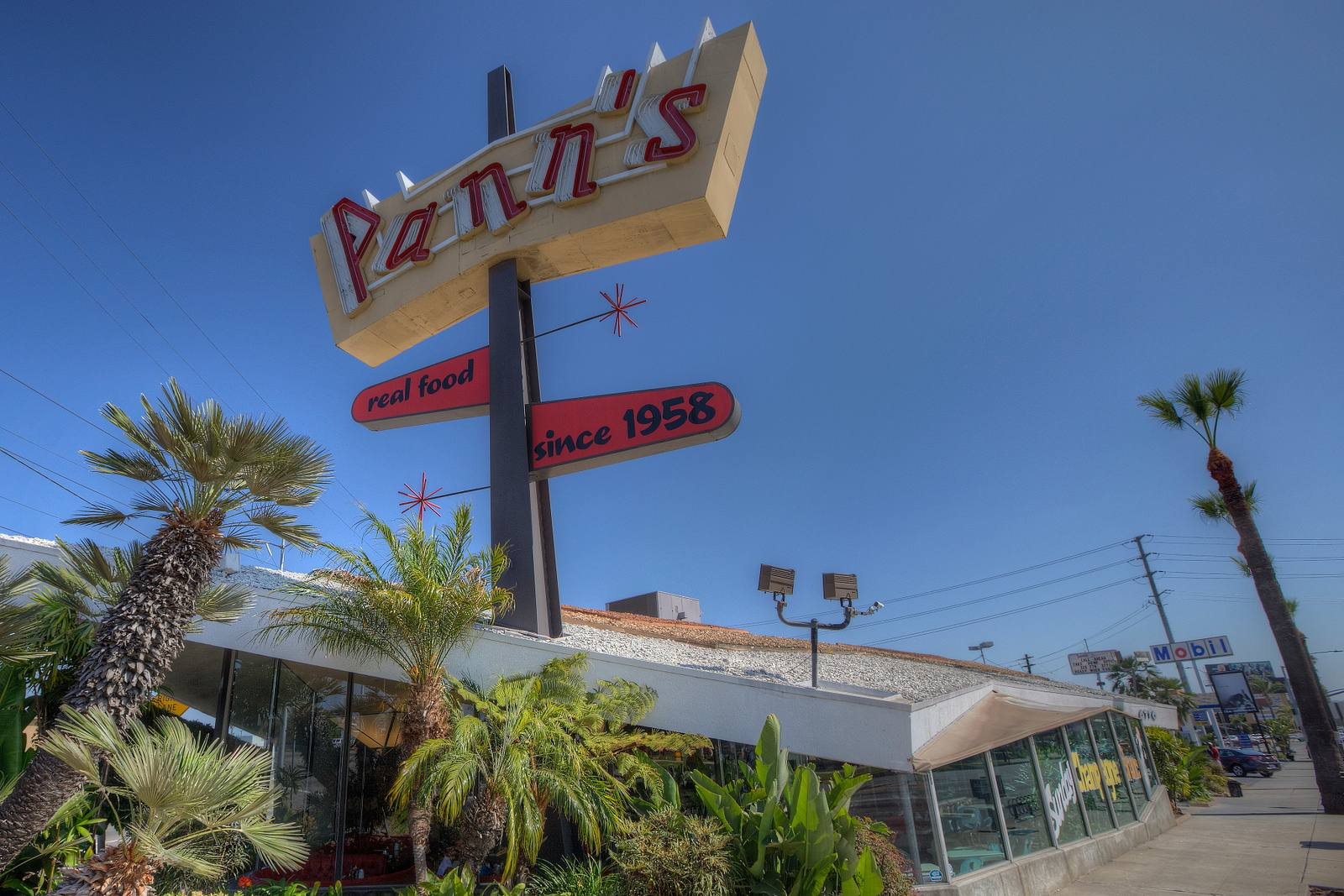 Pann's Restaurant exterior