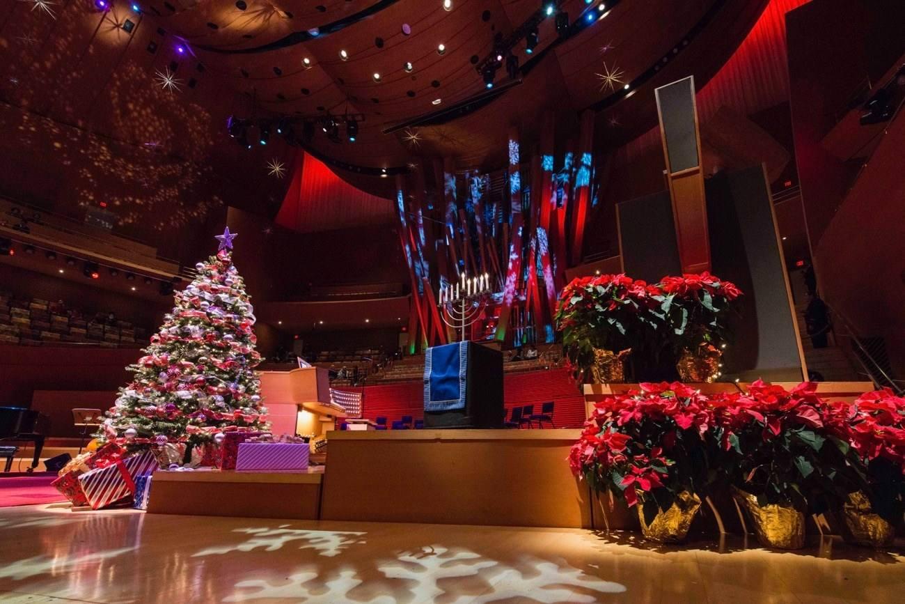 Holiday Sing-Along at Walt Disney Concert Hall
