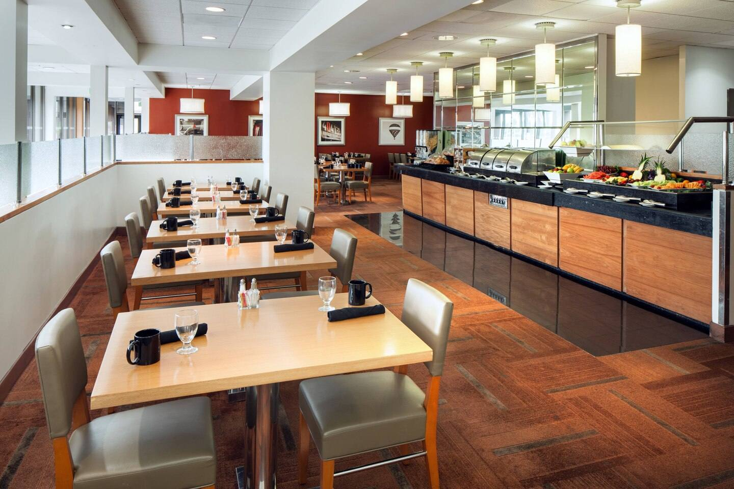 Comfort Restaurant at the Four Points by Sheraton LAX