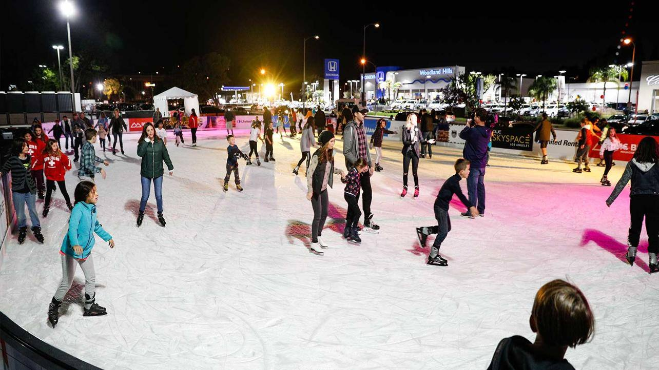 LA Kings Holiday Ice at Westfield Topanga
