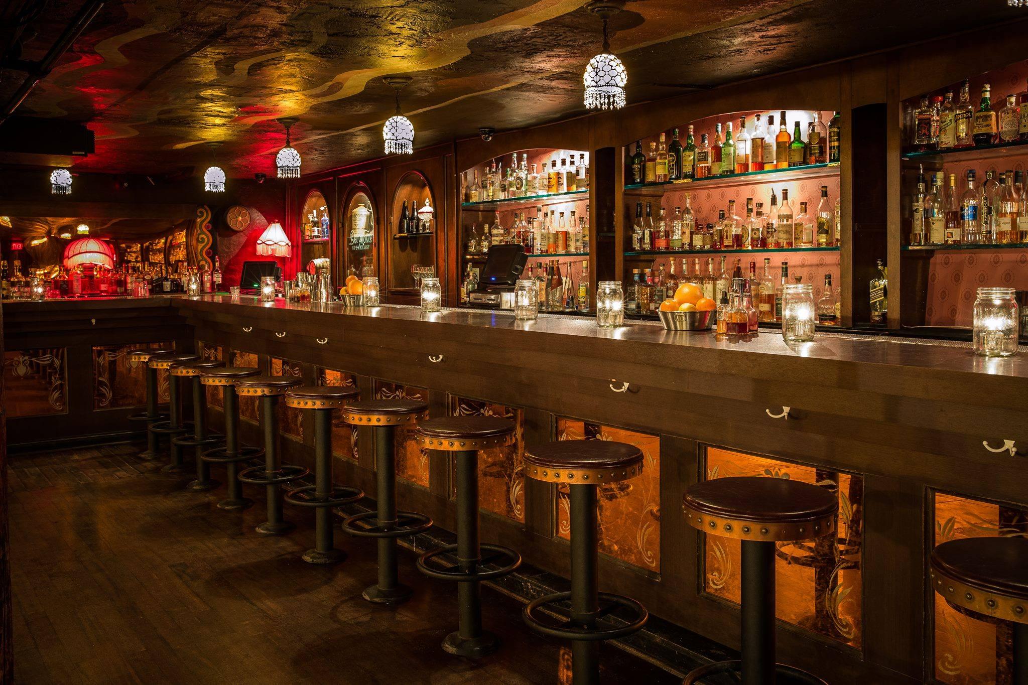 Townhouse & The Del Monte bar in Venice