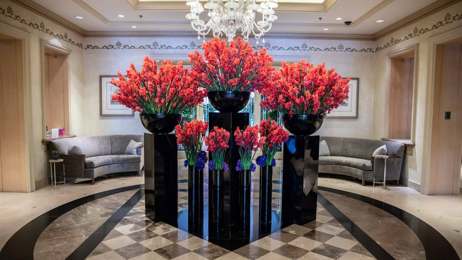 Floral installation by Jeff Leatham at the Four Seasons Los Angeles at Beverly Hills