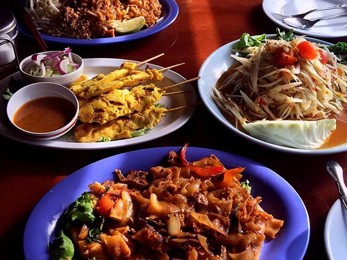 Ruen Pair in Thai Town