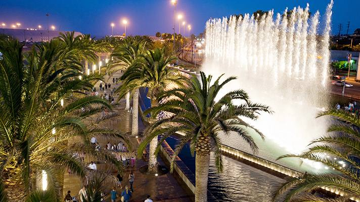 Fanfare Fountains at Gateway Plaza | Photo courtesy of LA Waterfront