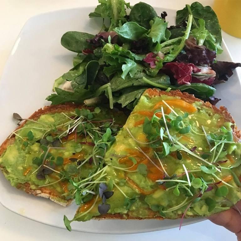 Kumquat avocado toast at Sweetsalt | Instagram by @avocadokale