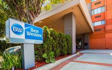 Entrance to the Best Western Los Angeles Worldport